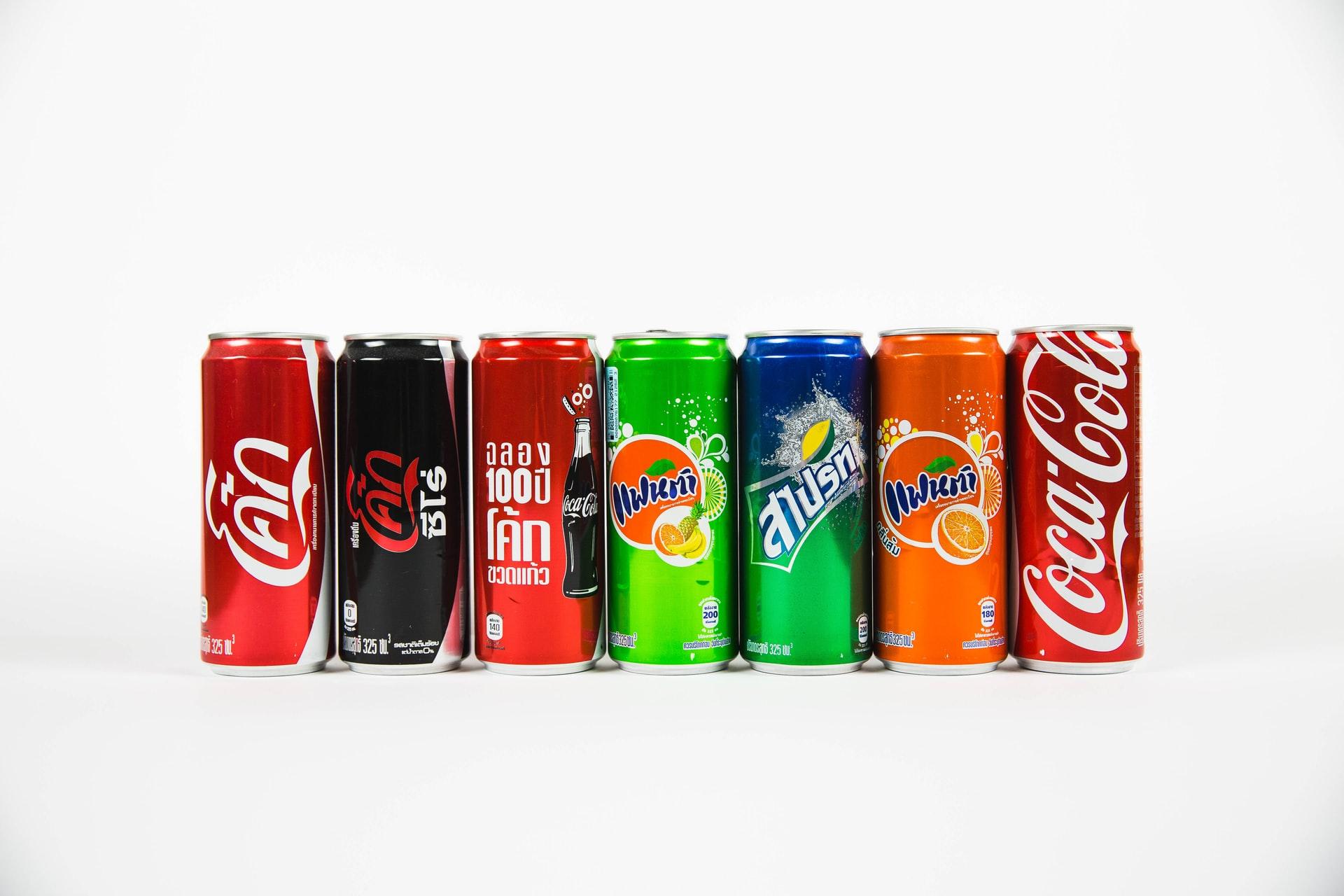 Corporate Identity von ähnlichen Getränke-Marken